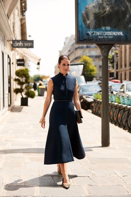 Como Combinar Un Vestido Azul Marino 17