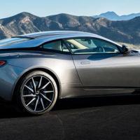 El Aston Martin DB11 tiene el sistema de encendido con menos sentido del mundo