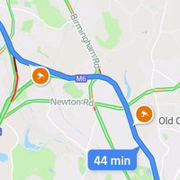 """""""En 500 m gira hacia el campo enlodado"""": 100 personas terminan atascadas por seguir a Google Maps"""