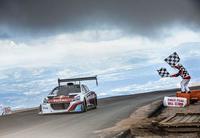 Sébastien Loeb rompe récord en Pikes Peak con su Peugeot 208 T16