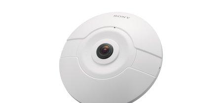 Esta cámara de vigilancia IP de 360º está pensada para ser usada en el interior de casa y eliminar los ángulos muertos