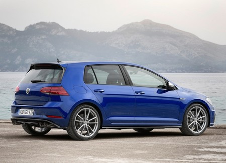 Volkswagen Golf R 2018 14