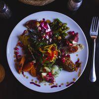 La dieta mediterránea nos ayuda a perder peso y a enjevecer mejor: cinco pautas para seguirla correctamente