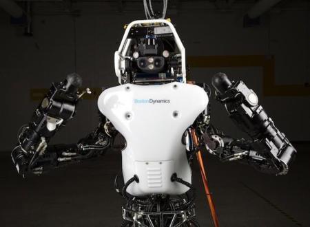 El robot ATLAS se renueva casi por completo, ahora con baterías