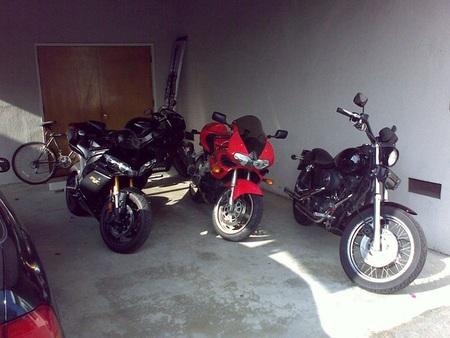 Motos en el garaje
