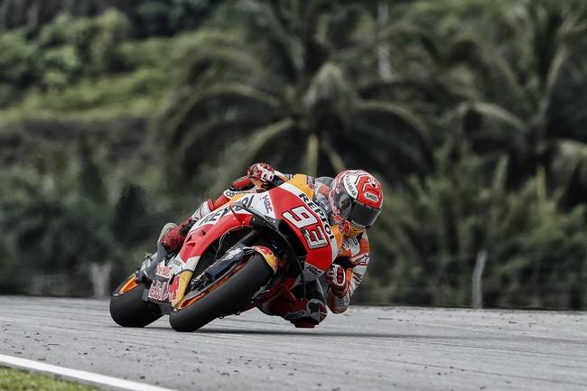 Marc Márquez es sancionado con seis puestos en Sepang y le llueve la pole a Johann Zarco