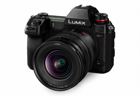 Panasonic Lumix S Pro 16 35 01 En S1r