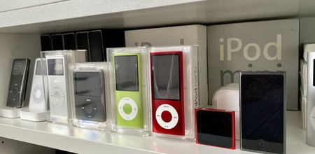 Almost every iPod in history, the Mac G4 Cube and historic ...