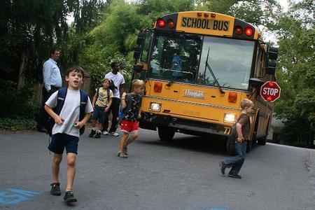 Por una mayor seguridad vial en los entornos escolares