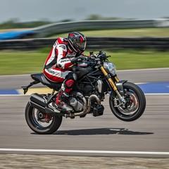 Foto 32 de 68 de la galería ducati-monster-1200-s-2020-color-negro en Motorpasion Moto