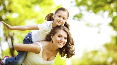 Día de la Mujer: el camino que nos queda por recorrer para nuestras hijas, futuras trabajadoras