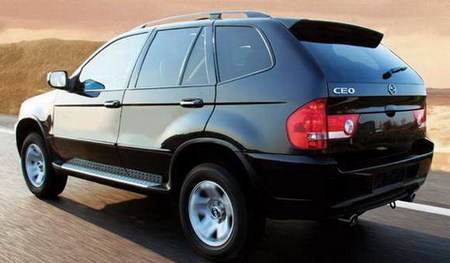 Alemania prohibe la venta del Sceo SUV  por ser una copia descarada del BMW X5