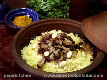 Cuscús vegetariano con cebollas confitadas. Receta