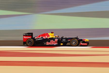 Sebastian Vettel recupera su frigodedo y mañana saldrá desde la pole en el Gran Premio de Bahréin