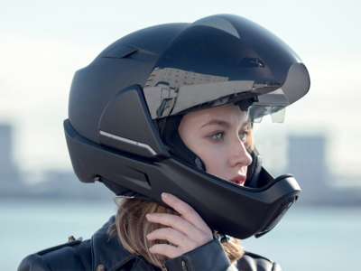 CrossHelmet no es ciencia ficción, es un casco futurista capaz de salvar vidas