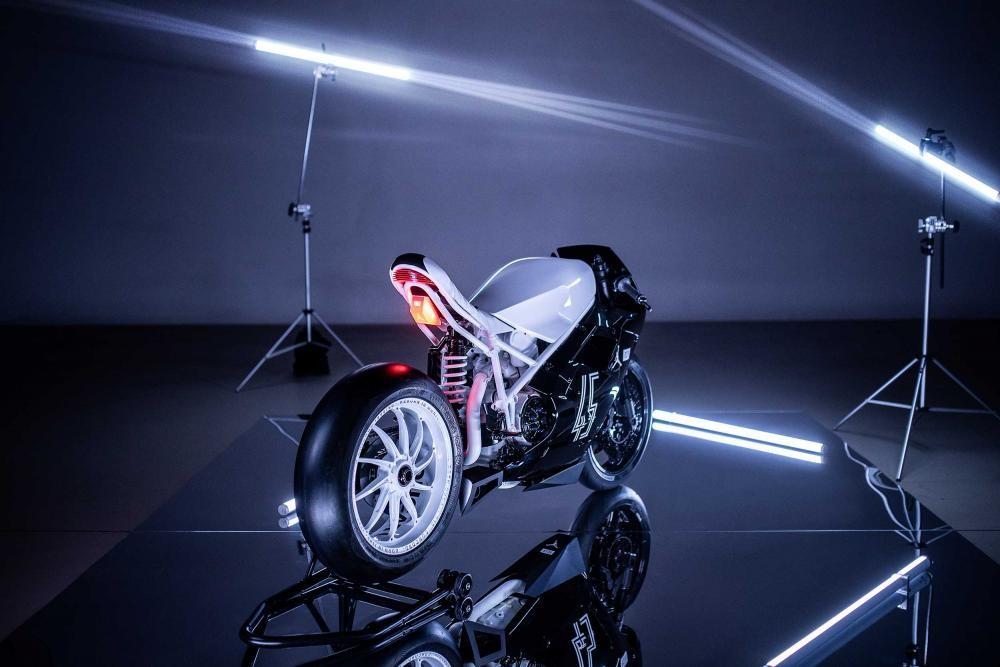 Foto de Ducati 916 BSTN (8/8)