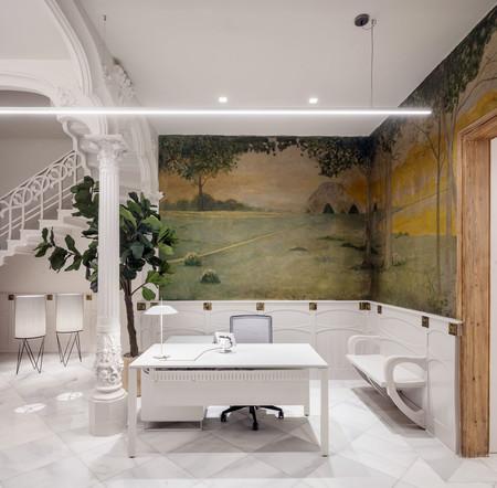 Las luminarias de Vibia iluminan un palacete modernista en Barcelona transformado en unas oficinas contemporáneas