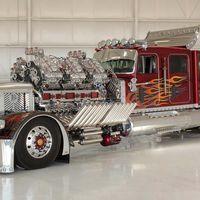 Este camión tiene un motor de casi 4.000 CV, se llama 'Thor' y hace que los vehículos de 'Mad Max' parezcan de juguete