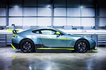 Aston Martin Vantage Gt8 Official 12