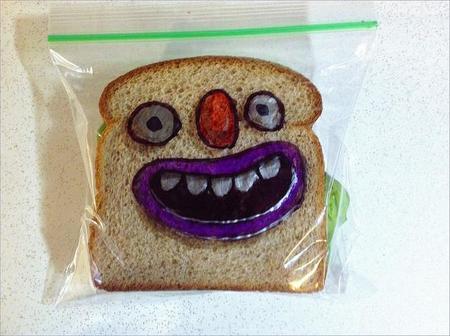 Pequeños detalles que les alegran la vida: un dibujo en la bolsa del sandwich