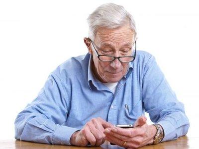 Se reduce la brecha generacional, los mayores de 65 años utilizan cada vez más Internet con fines de ocio