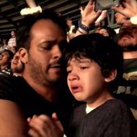 La emocionante reacción de un niño con autismo al oír su canción favorita en un concierto de Coldplay