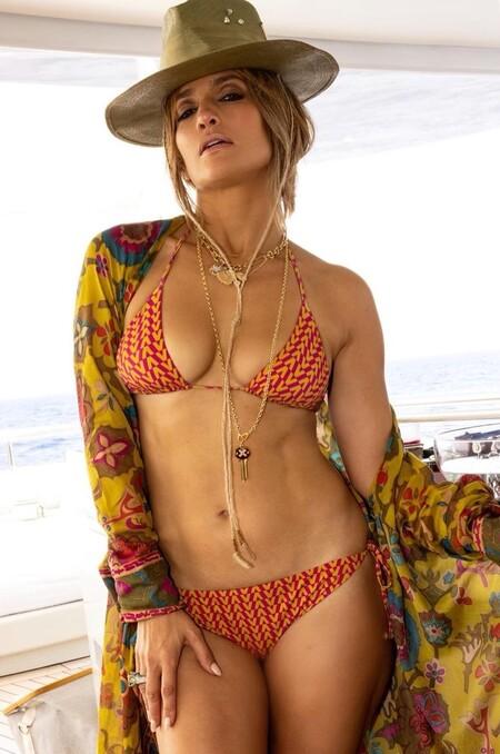 Jennifer Lopez Bikini Ben Affleck 01