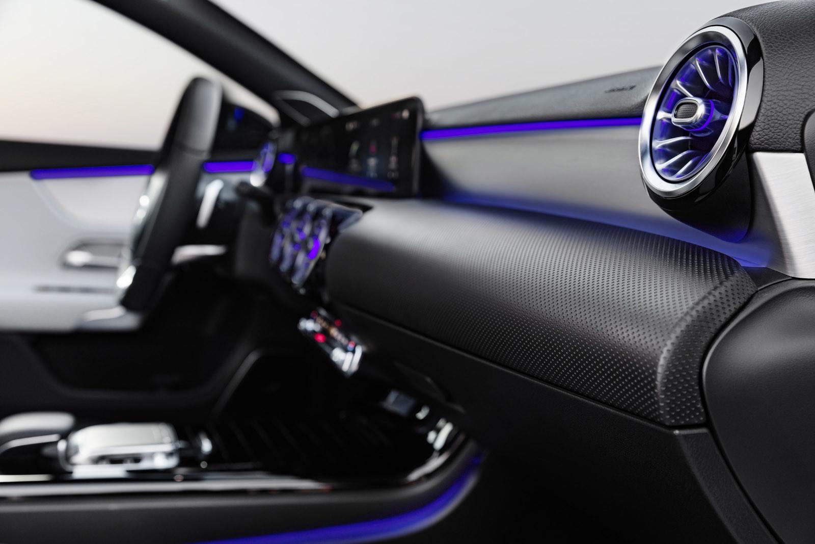 Foto de Mercedes-Benz Clase A 2018: impresiones del interior (4/28)