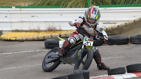 Copa de Supermotard para niños con motos eléctricas