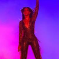Beyoncé de Dennis Kolpodinos para Vrettos Vrettakos