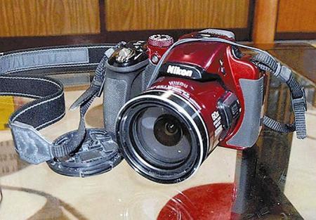 Nikon honra a uno de los fallecidos en la erupción del Ontake reparando su cámara y recuperando sus fotos