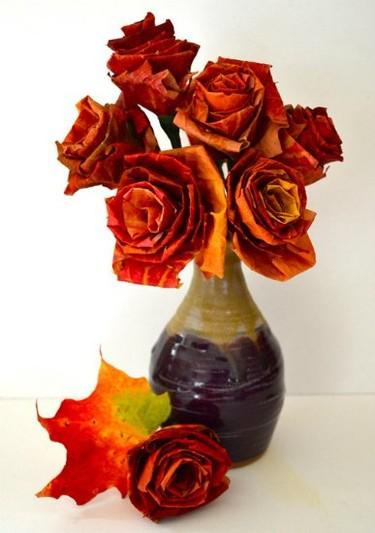 Hazlo tú mismo: un ramo de flores con hojas otoñales