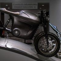 La Tarform Luna es una moto eléctrica con 190 kilómetros de autonomía, llega a los 140 km/h y cuesta 21.370 euros