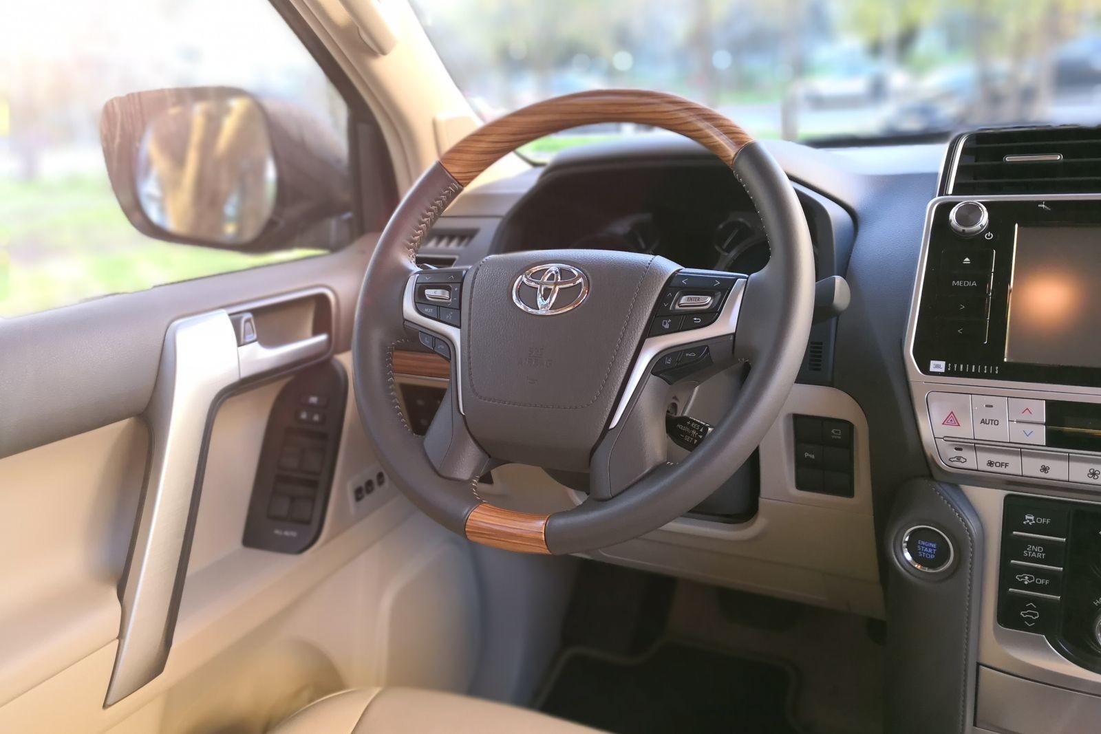 Foto de Toyota Land Cruiser Limited - Fotos interiores (6/25)
