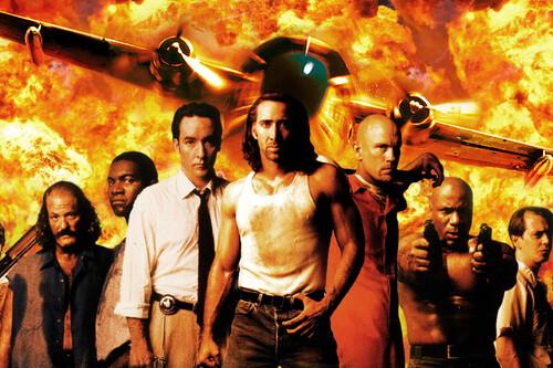 'Con Air (Convictos en el aire)': una joya del cine de acción que encumbró a Nicolas Cage como nuevo gran héroe del género