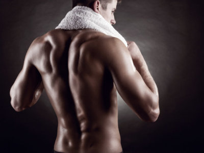 Dale un empujón a tu entrenamiento de espalda usando nuevos elementos