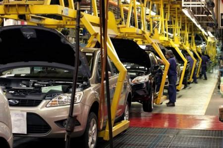 Producción automotriz en México rompió récord en 2015