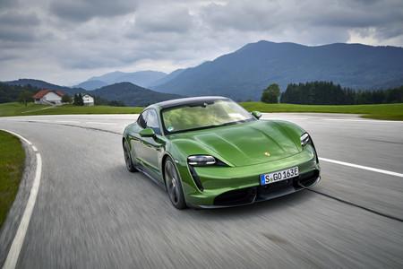 Probamos el Porsche Taycan: el primer coche eléctrico de Porsche es una auténtica bestia que supera las expectativas