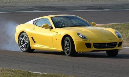El Ferrari 599 GTB de pruebas en el circuito