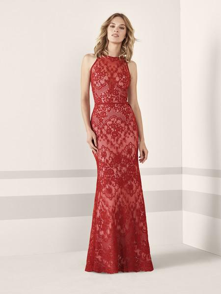 Los 79 vestidos de fiesta de Pronovias colección 2019 con los que ... b384afbed8ef