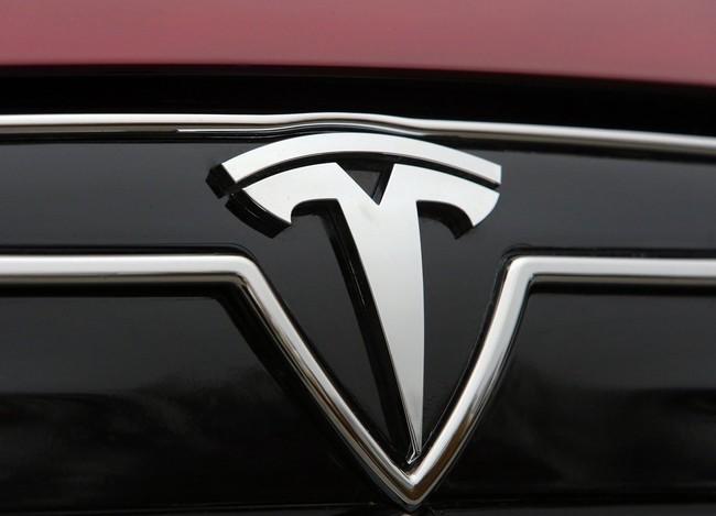 Teslaquila, sí el nombre de un nuevo tequila que Elon Musk ya registró