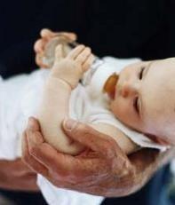 Estenosis hipertrófica de píloro, el bebé vomita con mucha frecuencia