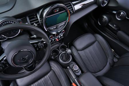 MINI Cooper S Cabrio 2019 habitáculo
