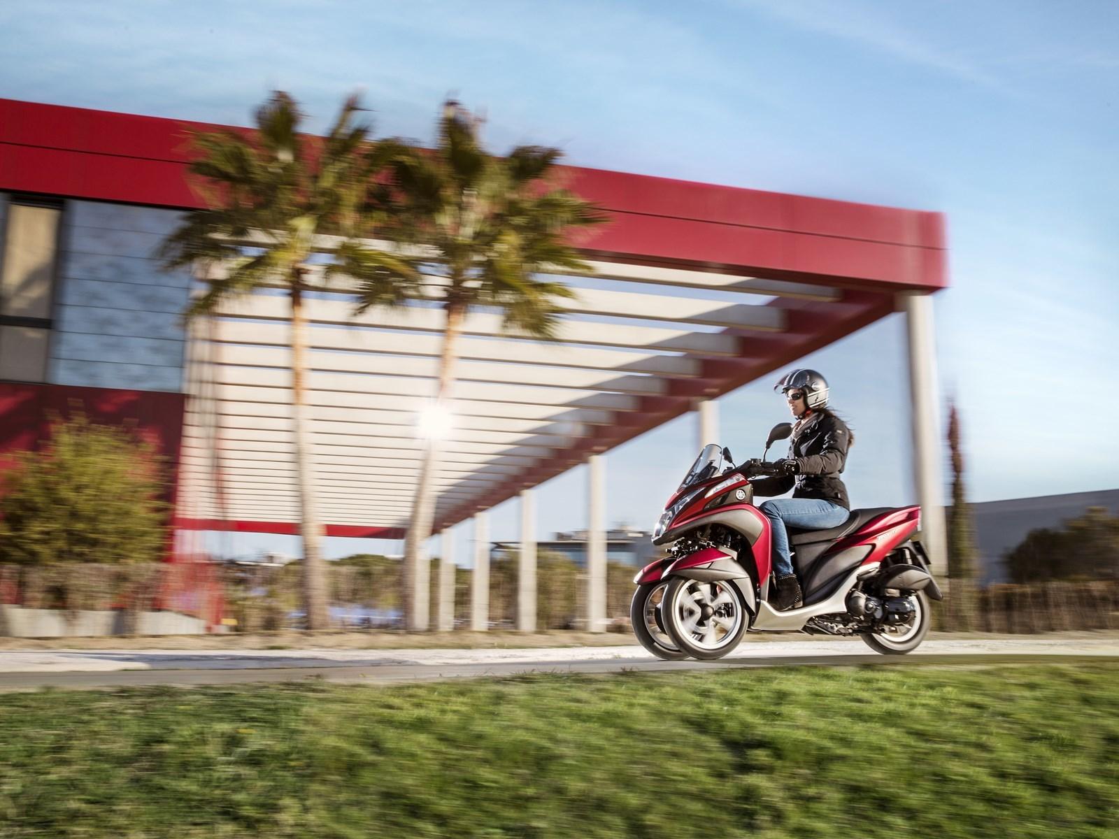Foto de Yamaha Tricity 125 cc acción (7/21)