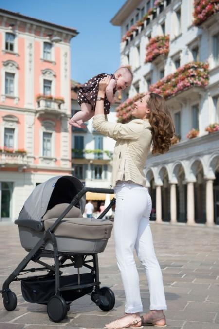 Del capazo a la silla de paseo, ¿qué cambios vive nuestro bebé?