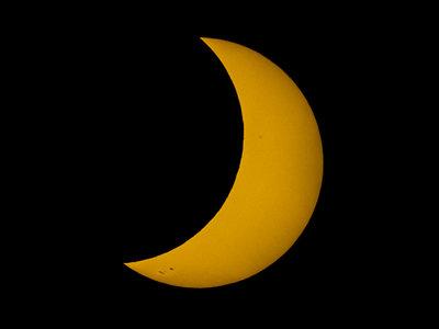 Las impresionantes fotos al eclipse de sol tomadas desde el espacio por la NASA