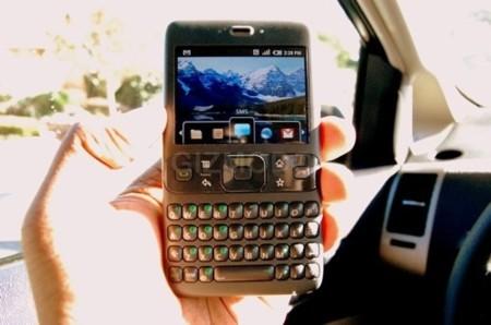 Imagen de un prototipo de móvil con Android