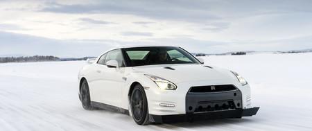 Experiencia Nissan en Laponia: patinando sobre hielo