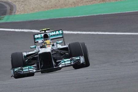 Lewis Hamilton se lleva la pole alemana en una clasificación.... rara