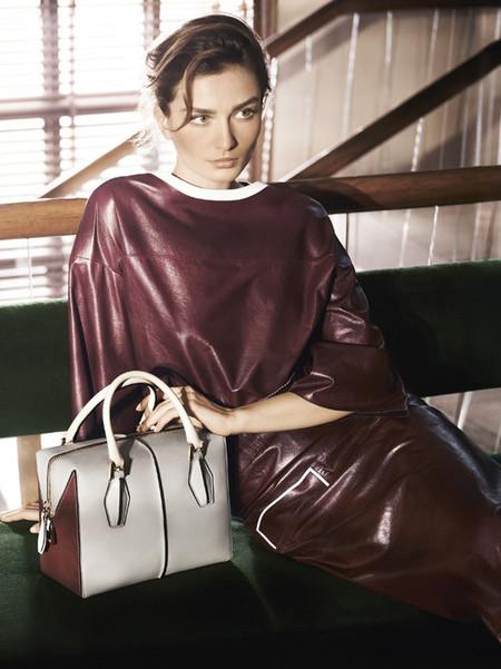 Alessandra Facchinetti presenta su primera campaña para Tod's de la mano de Andreea Diaconu